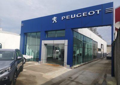 Fachada Peugeot